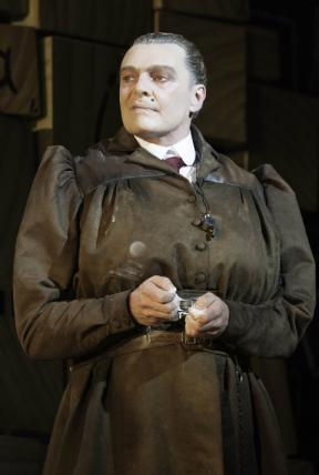 Top 5 Worst Mums in Literature (Mrs. Trunchbull of Dahl's 'Matilda' pictured)