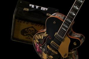 Guitar and speaker - Copy